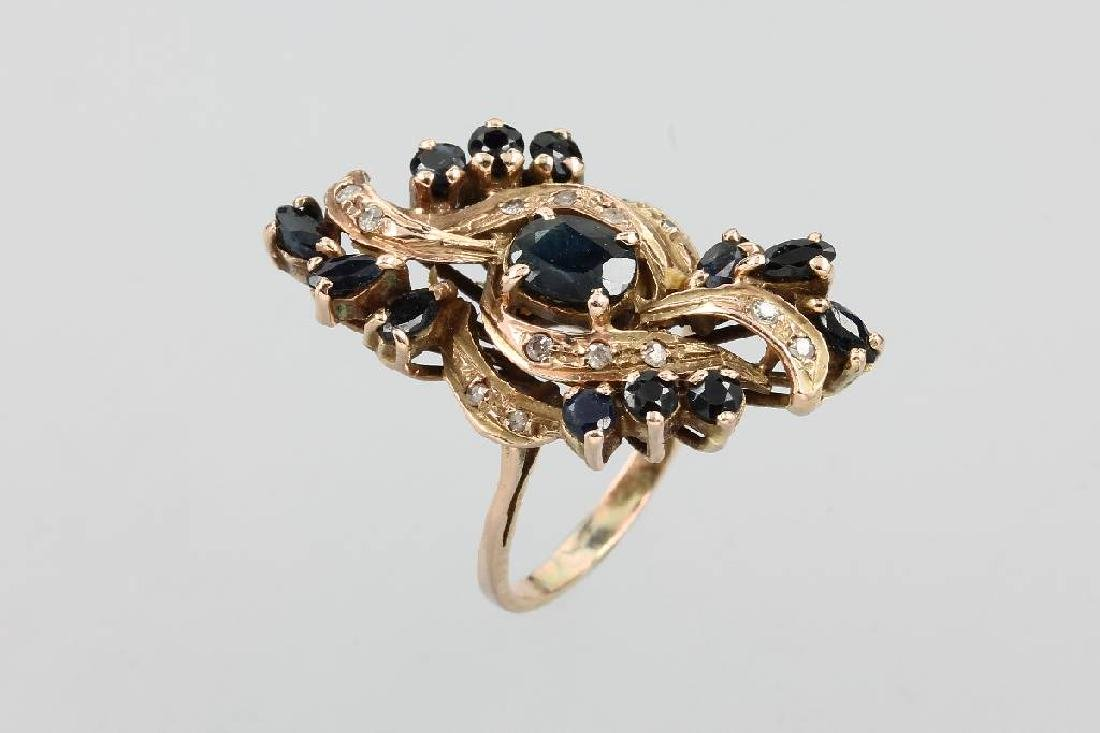 14 kt gold ring with sapphires and diamonds