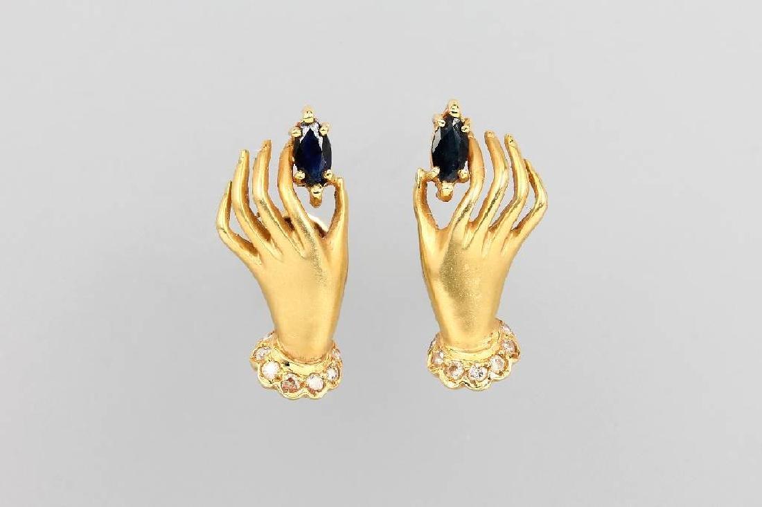 Pair of 18 kt gold earrings 'hands'