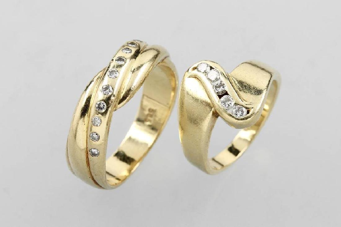14 kt gold lot 2 rings with brilliants