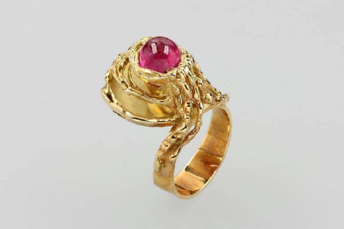 18 kt gold designer ring with tourmaline