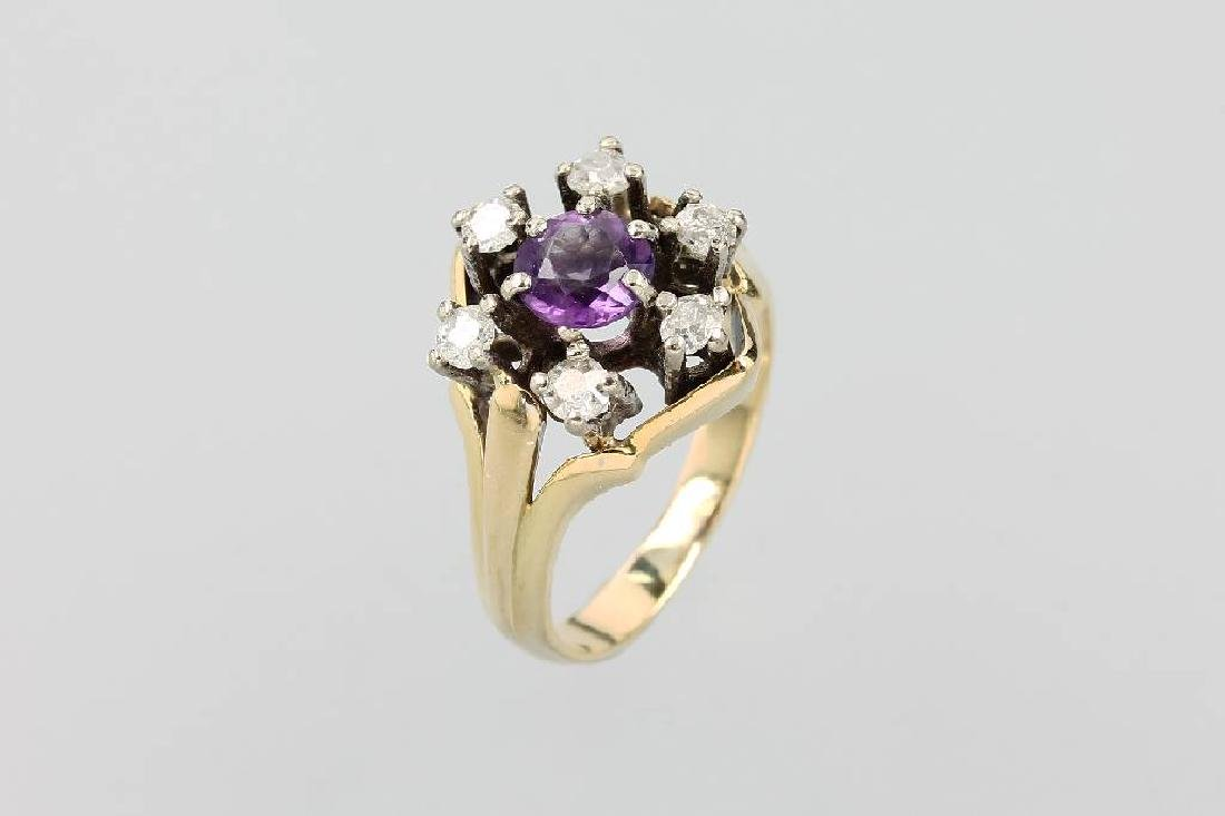 14 kt gold ring with amethyst and old cut diamond
