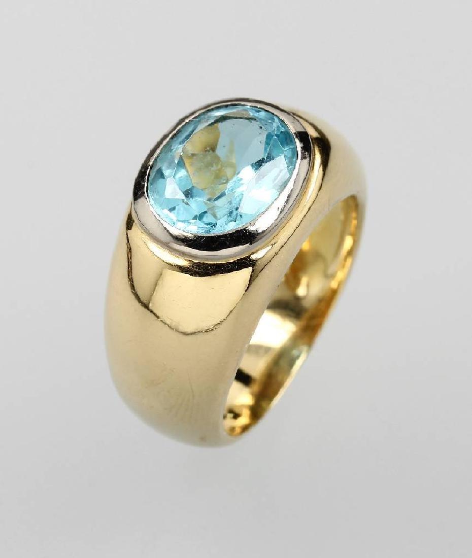 18 kt gold ring with aquamarine