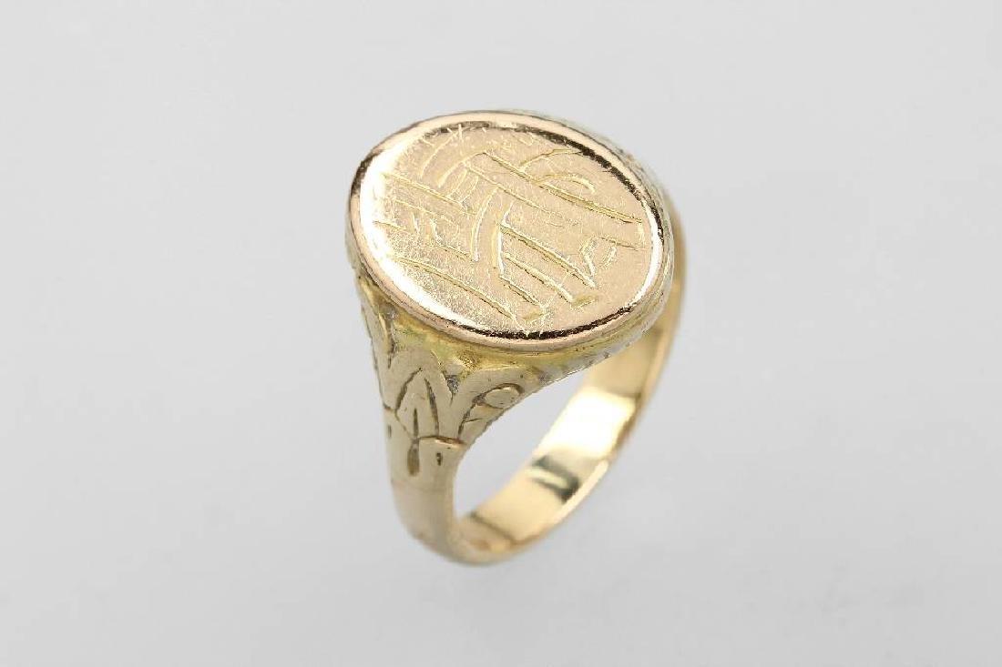 14 kt gold gents signet ring