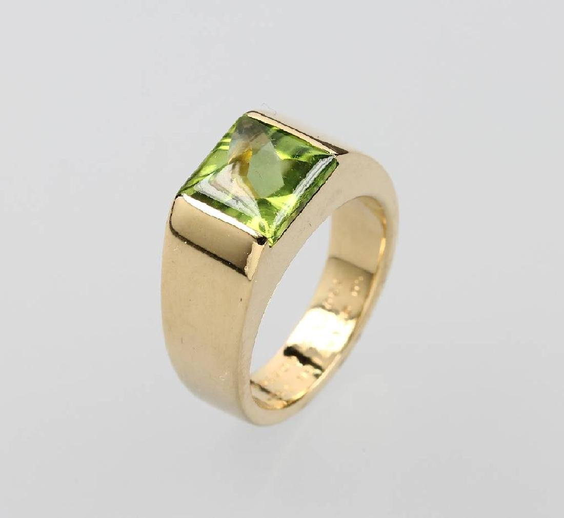 18 kt gold CARTIER ring with peridot