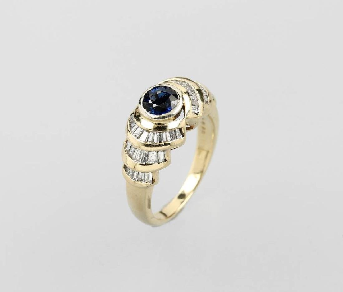 14 kt gold ring with sapphire and diamonds
