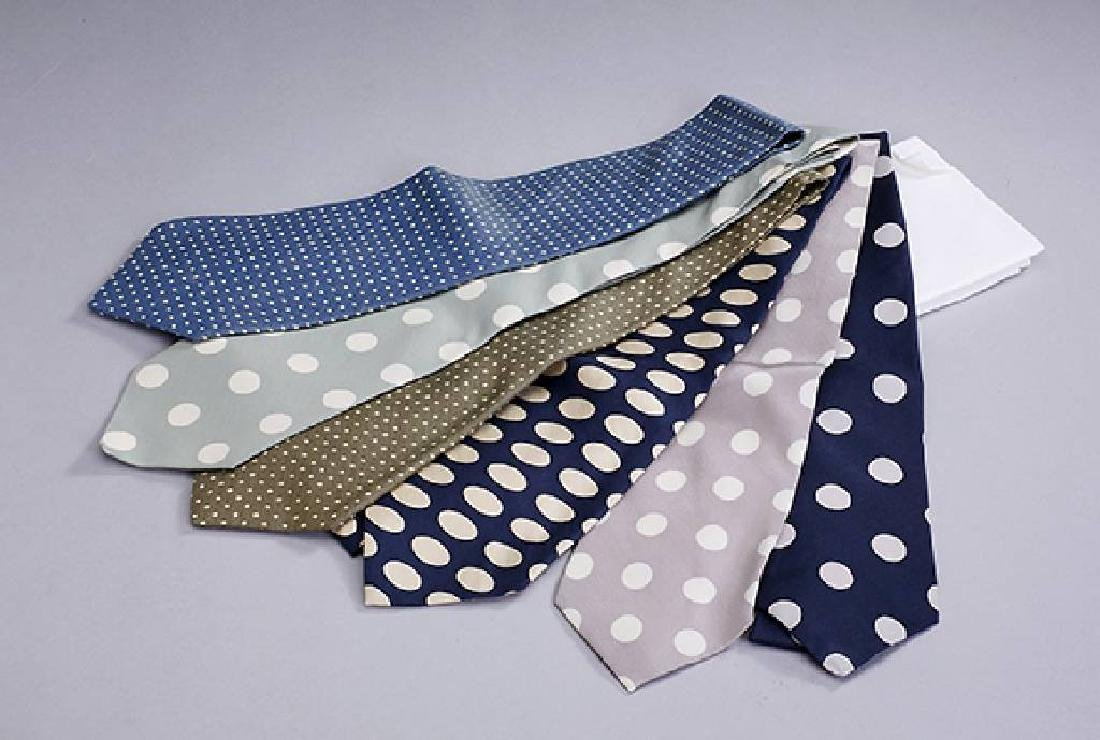 Lot 6 designer ties 'Polka Dots'