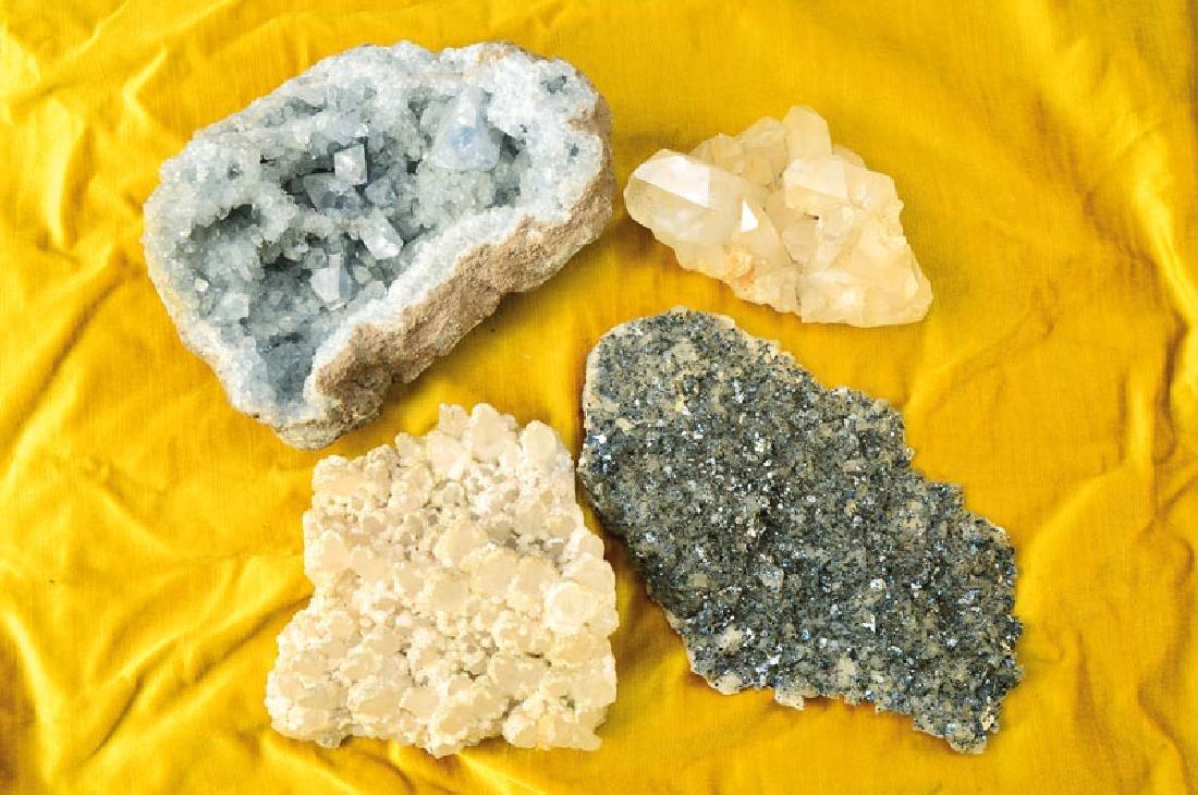 extensive 5 boxes Minerals