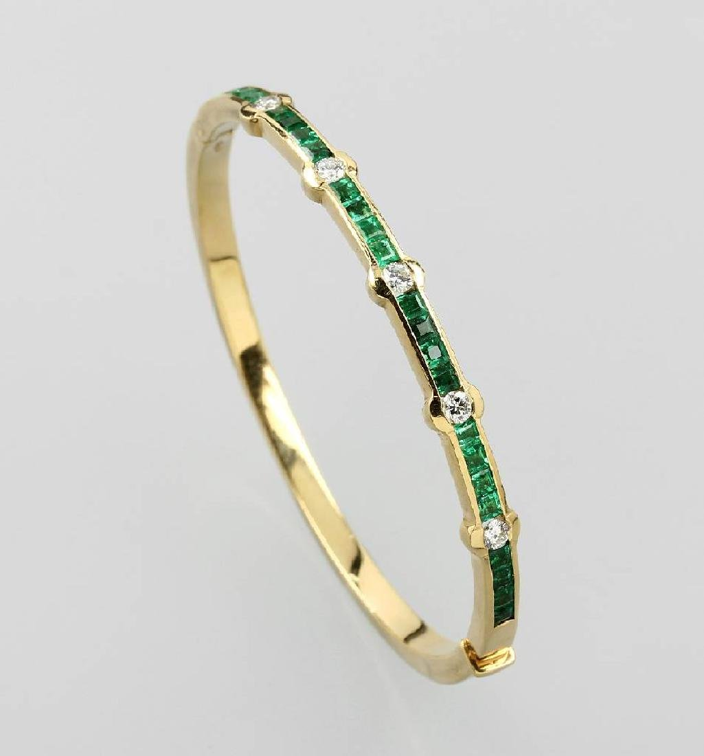 18 kt gold bangle with emeralds and brilliants