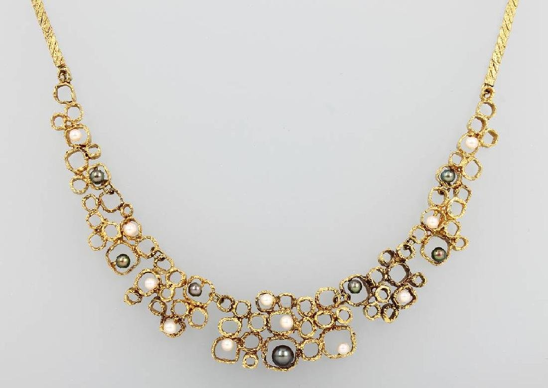 14 kt gold necklace with cultured pearls