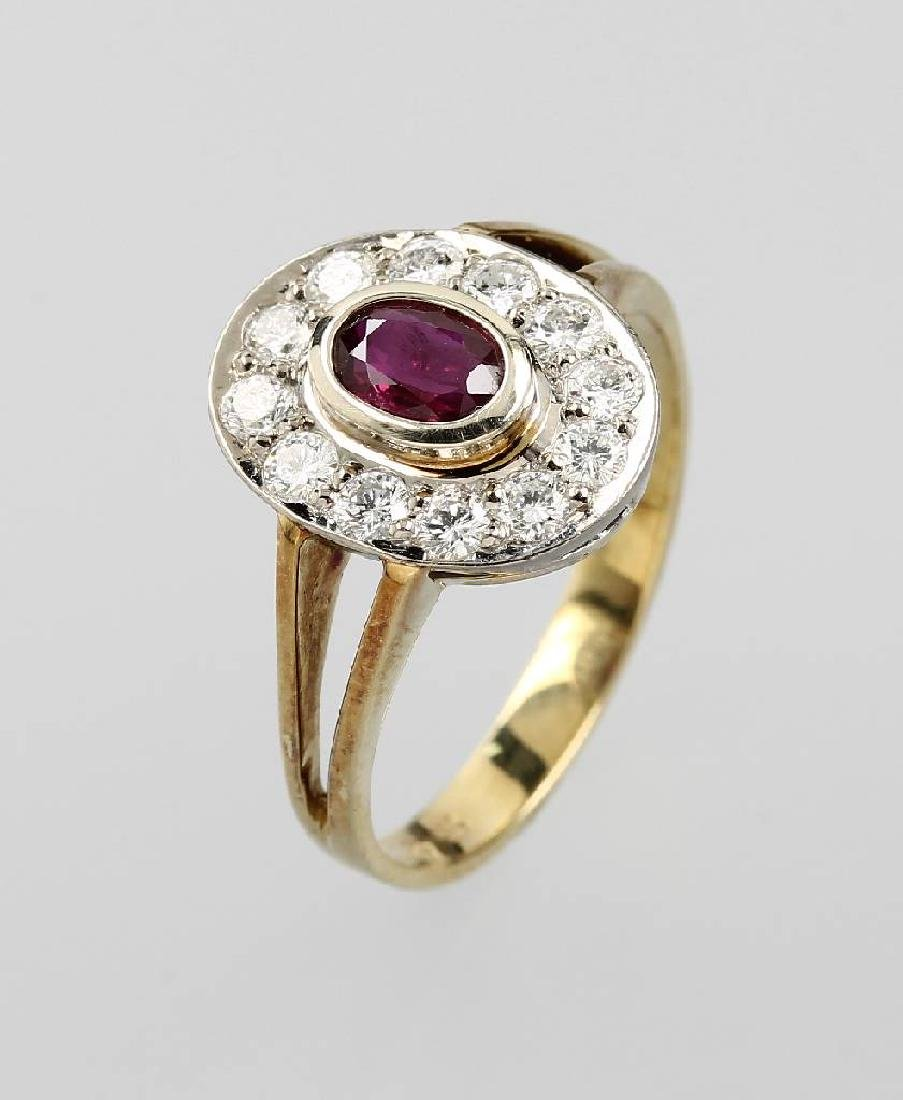 14 kt gold ring with ruby and brilliants