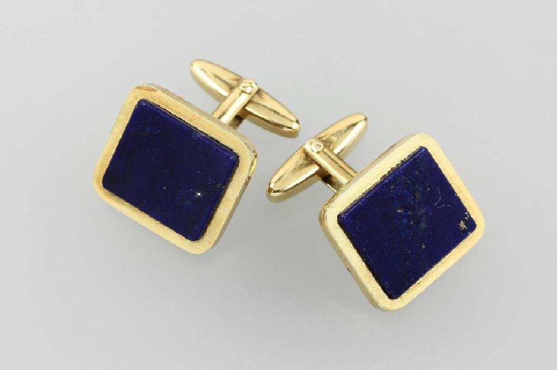 Pair of 14 kt gold cuff links with lapis lazuli