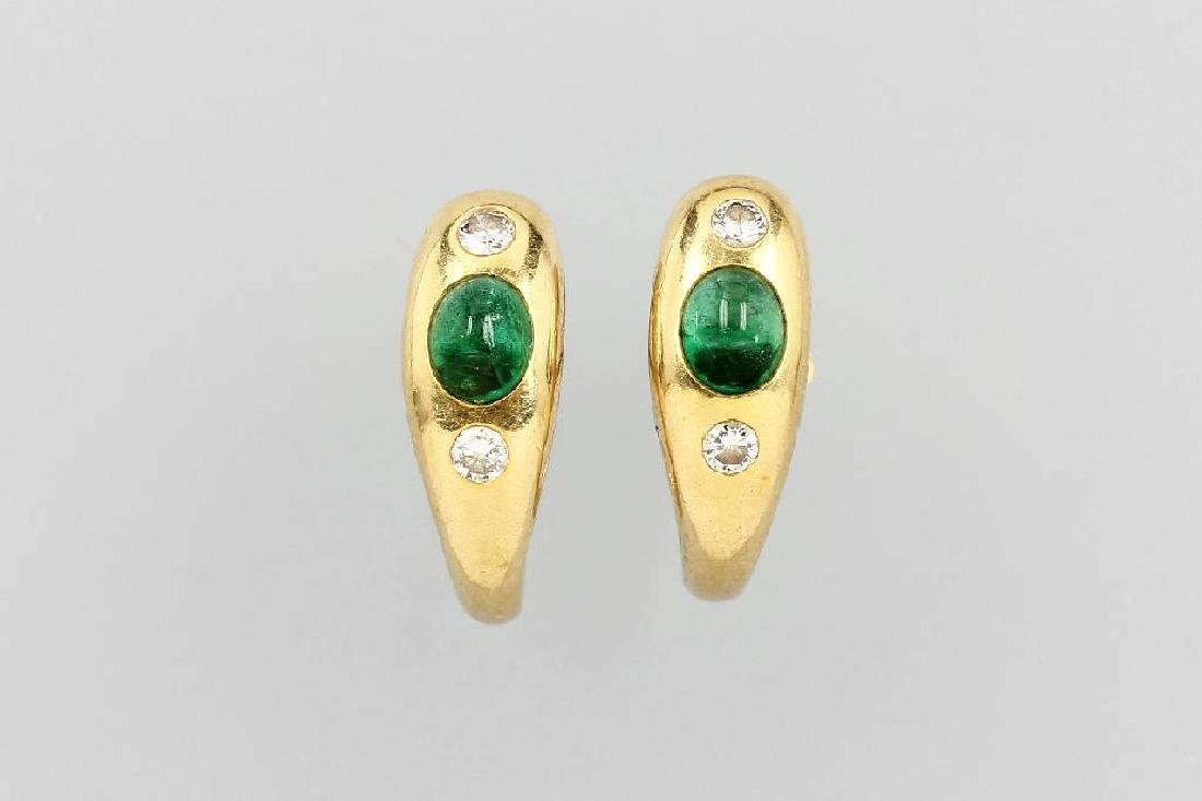 Pair of 18 kt gold earrings with emeralds and