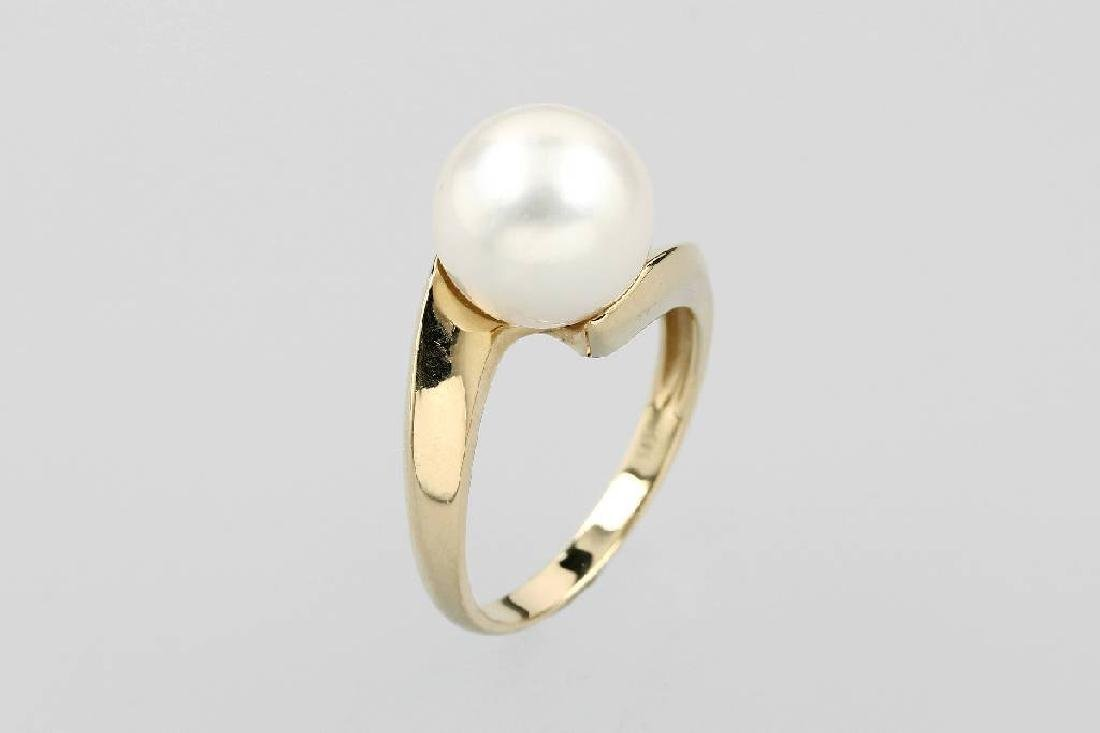 14 kt gold ring with cultured south seas pearl