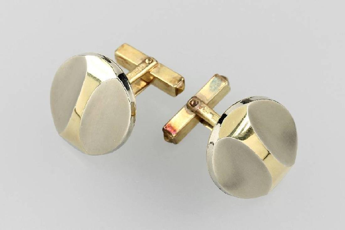 Pair of 14 kt gold cuff links