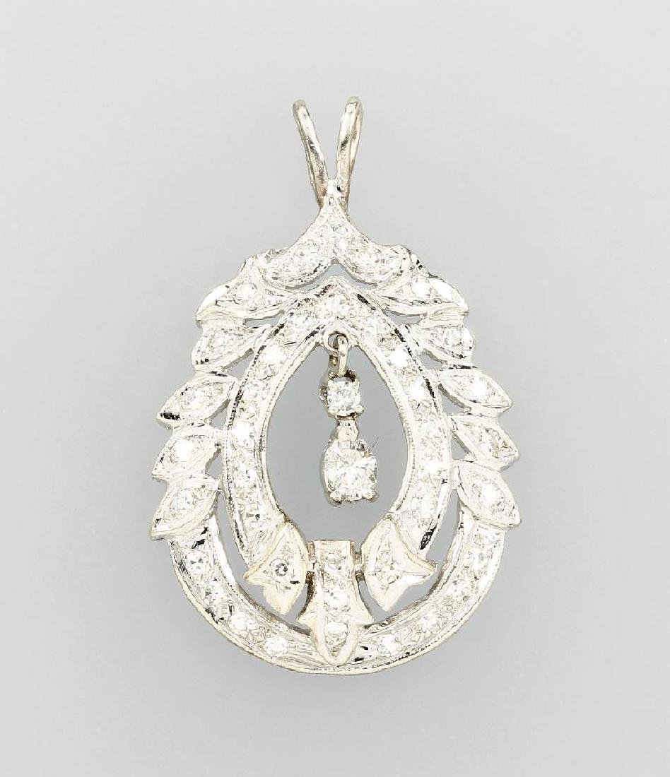 14 kt gold pendant with diamonds