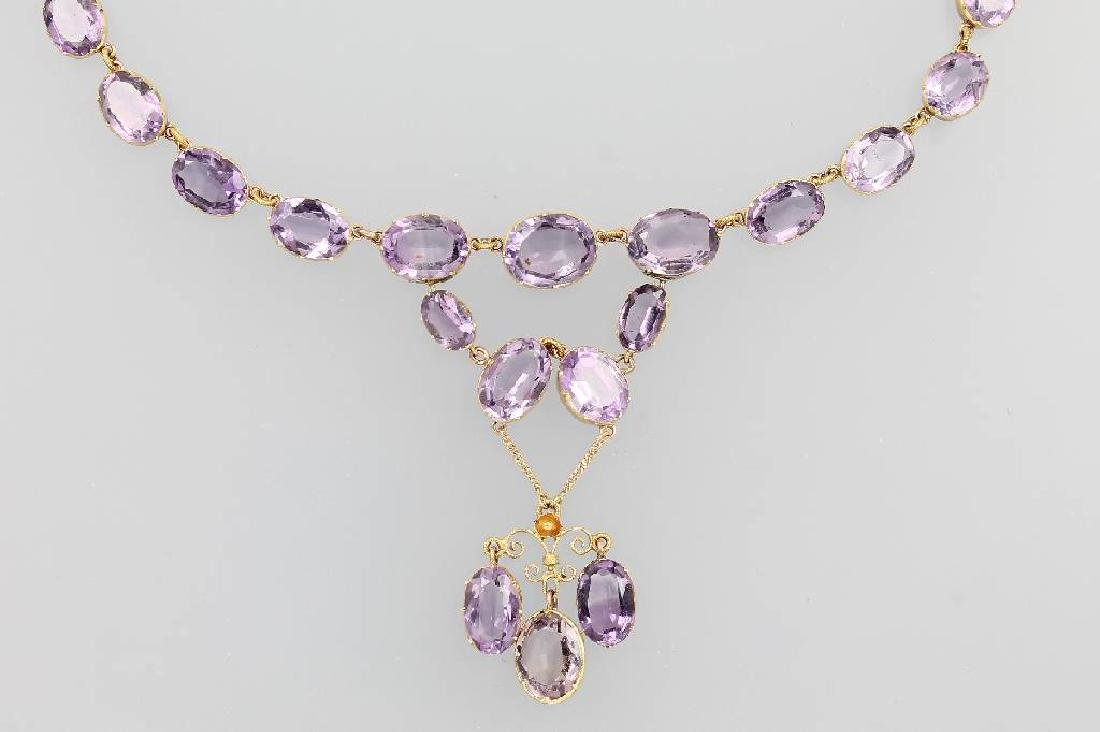 18 kt gold necklace with amethysts