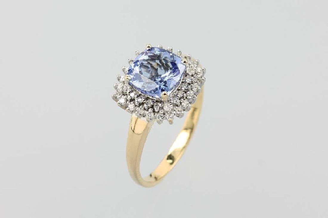 18 kt gold ring with diamonds and tanzanite
