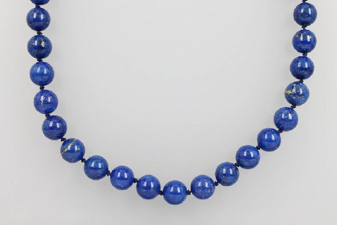 Necklace made of lapis lazuli