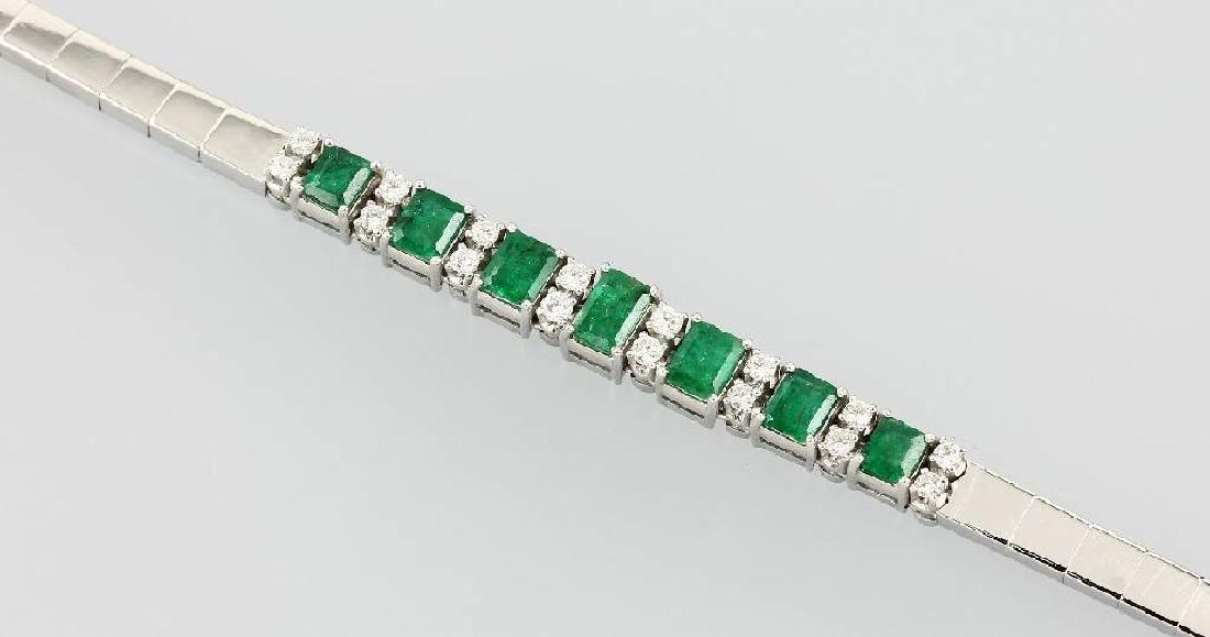 18 kt gold bracelet with emeralds and brilliants