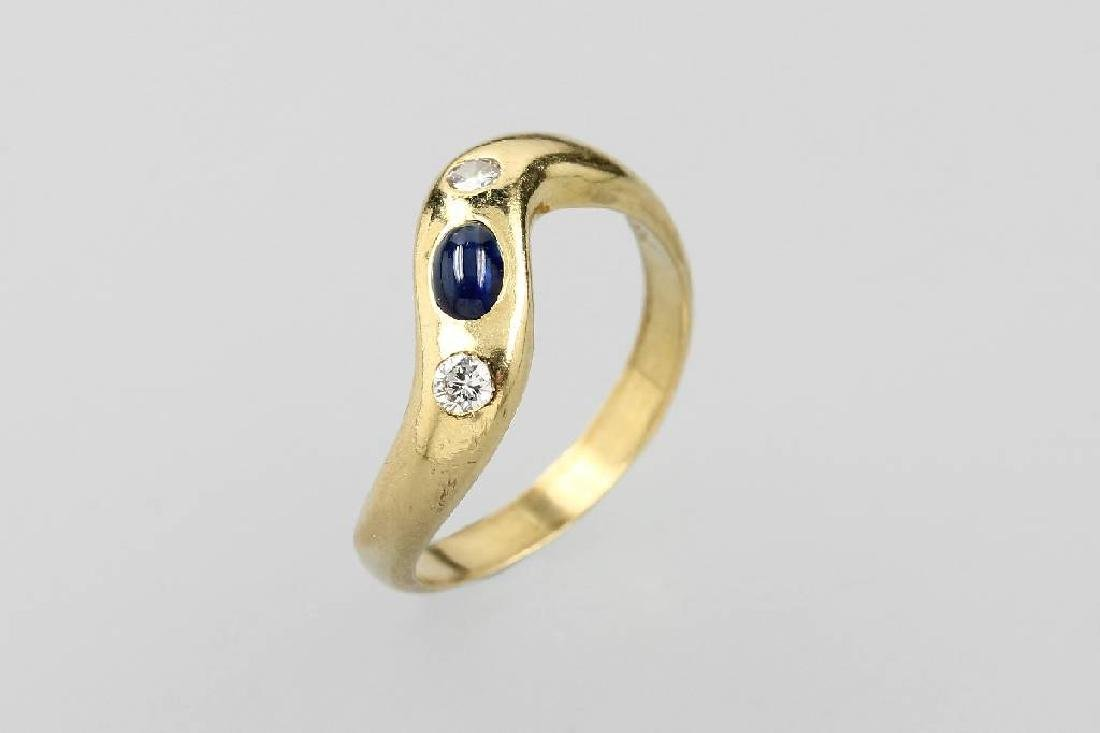 18 kt gold ring with sapphire and brilliants