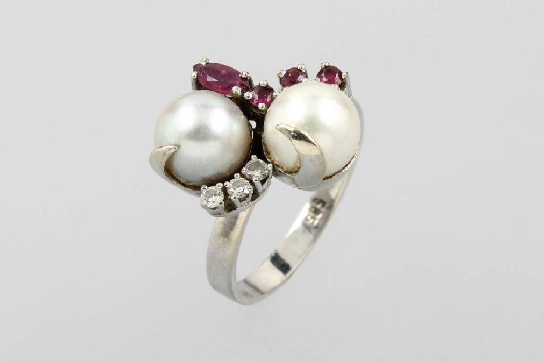 14 kt gold ring with pearls, rubies and brilliants