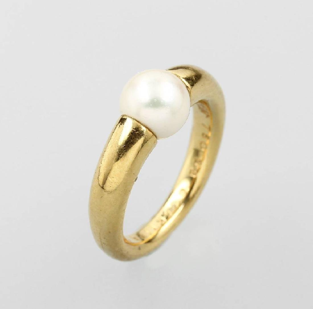 18 kt gold CARTIER ring with cultured akoya pearl
