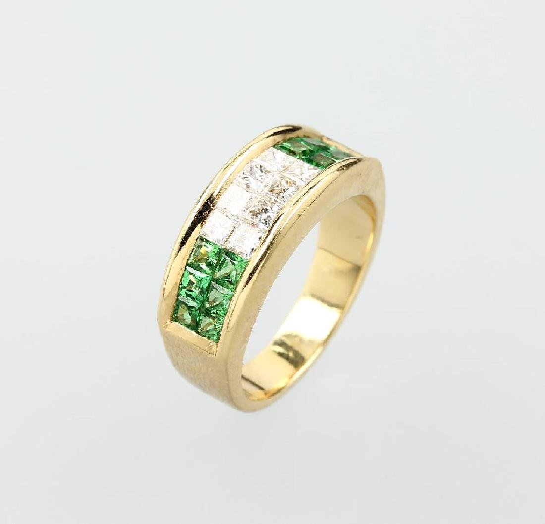 18 kt gold ring with diamonds and tsavorites