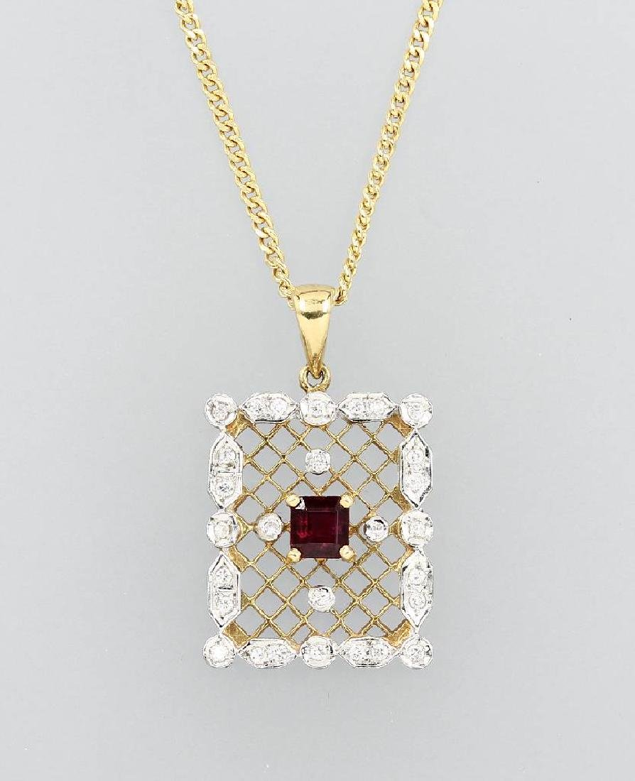 18 kt gold pendant with ruby and diamonds