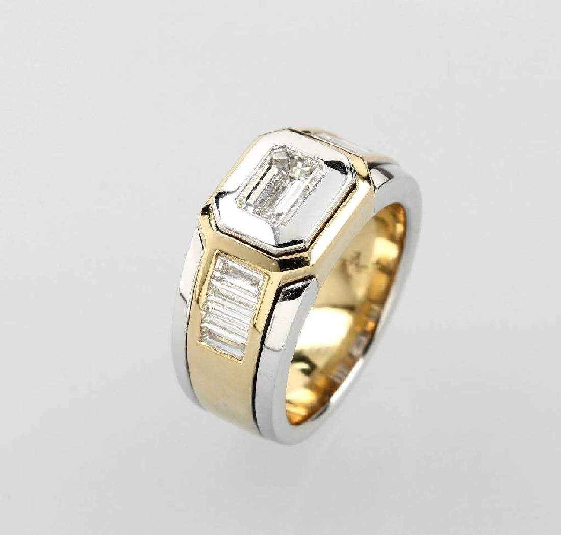 18 kt gold ring with diamonds