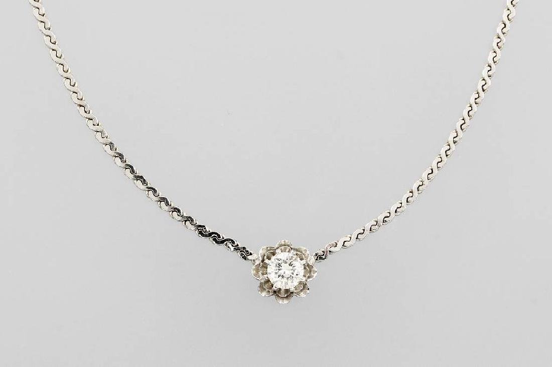 14 kt gold necklace with brilliant