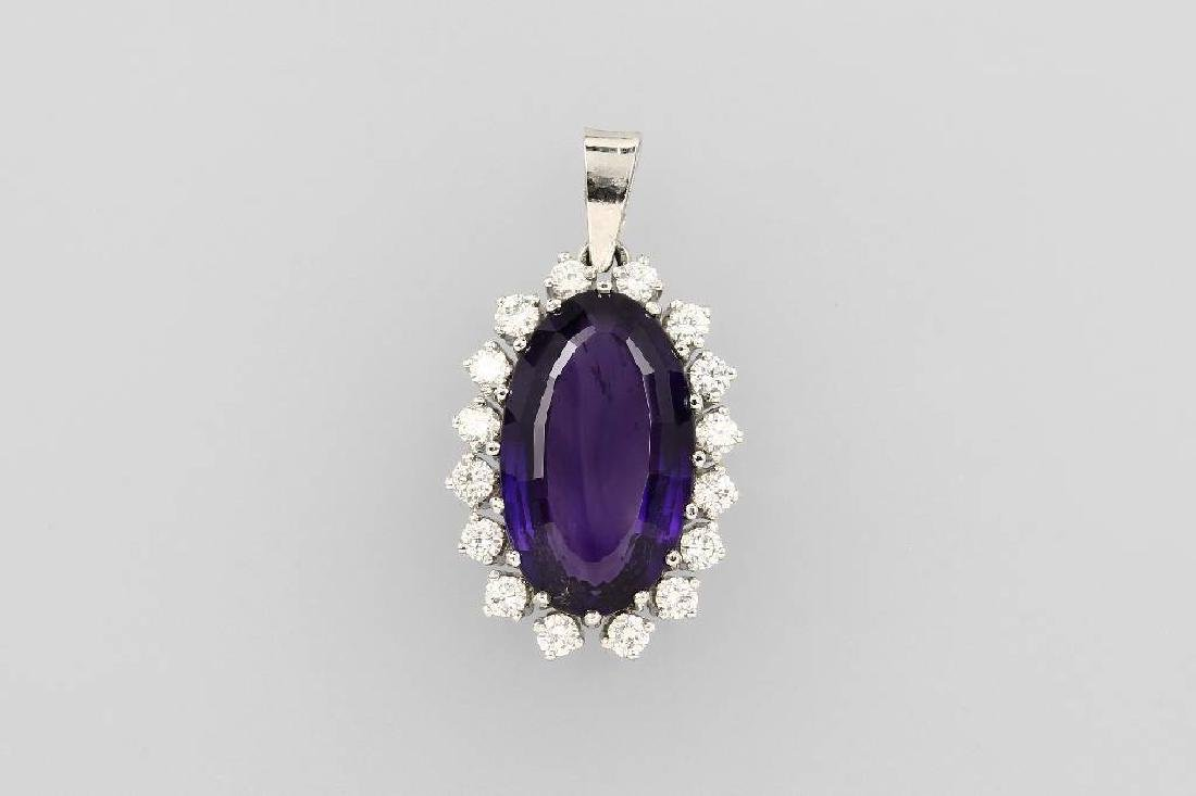14 kt gold pendant with amethyst and brilliants