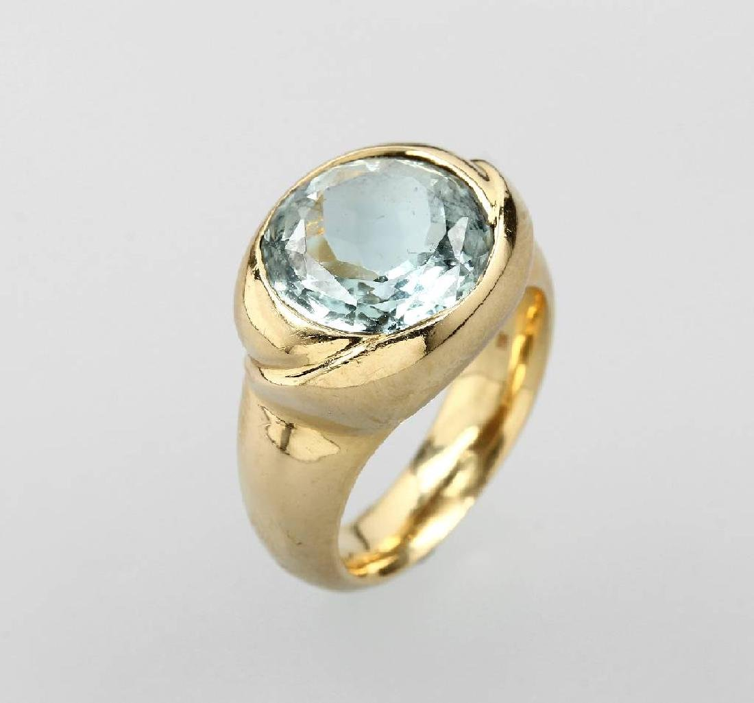 18 kt gold ring with aquamarine