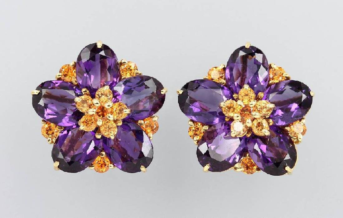 Pair of 18 kt gold blossom clip earrings with coloured