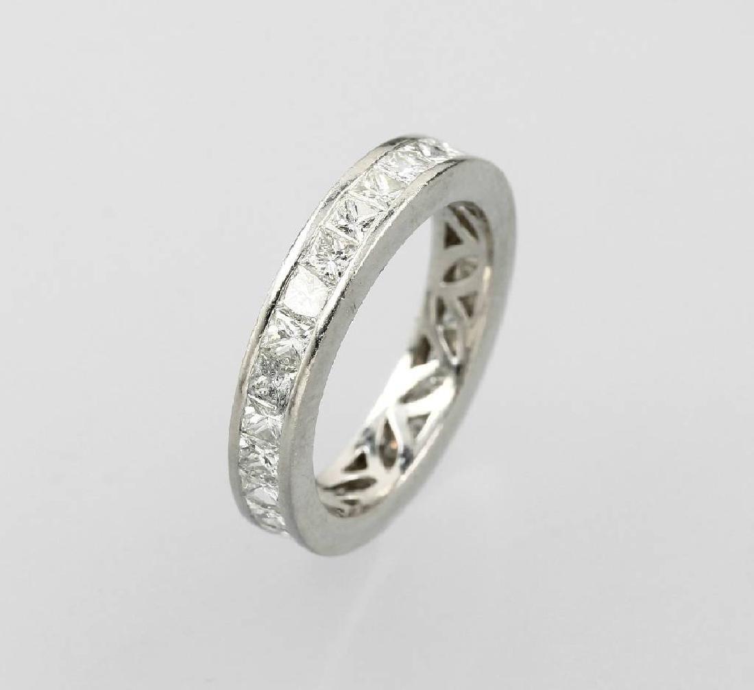 Platinum memoryring with diamonds