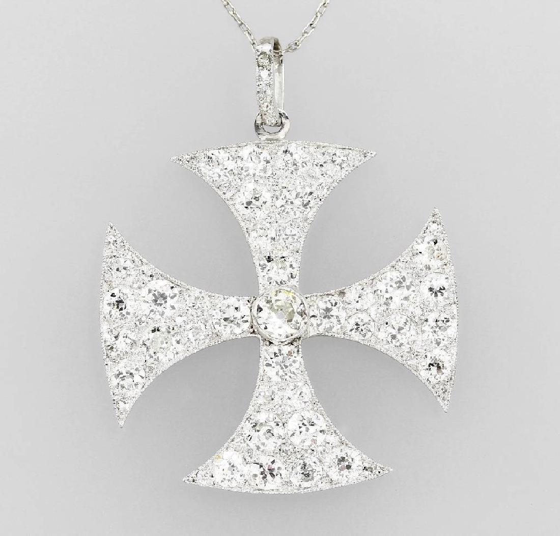 Platinum crosspendant with diamonds