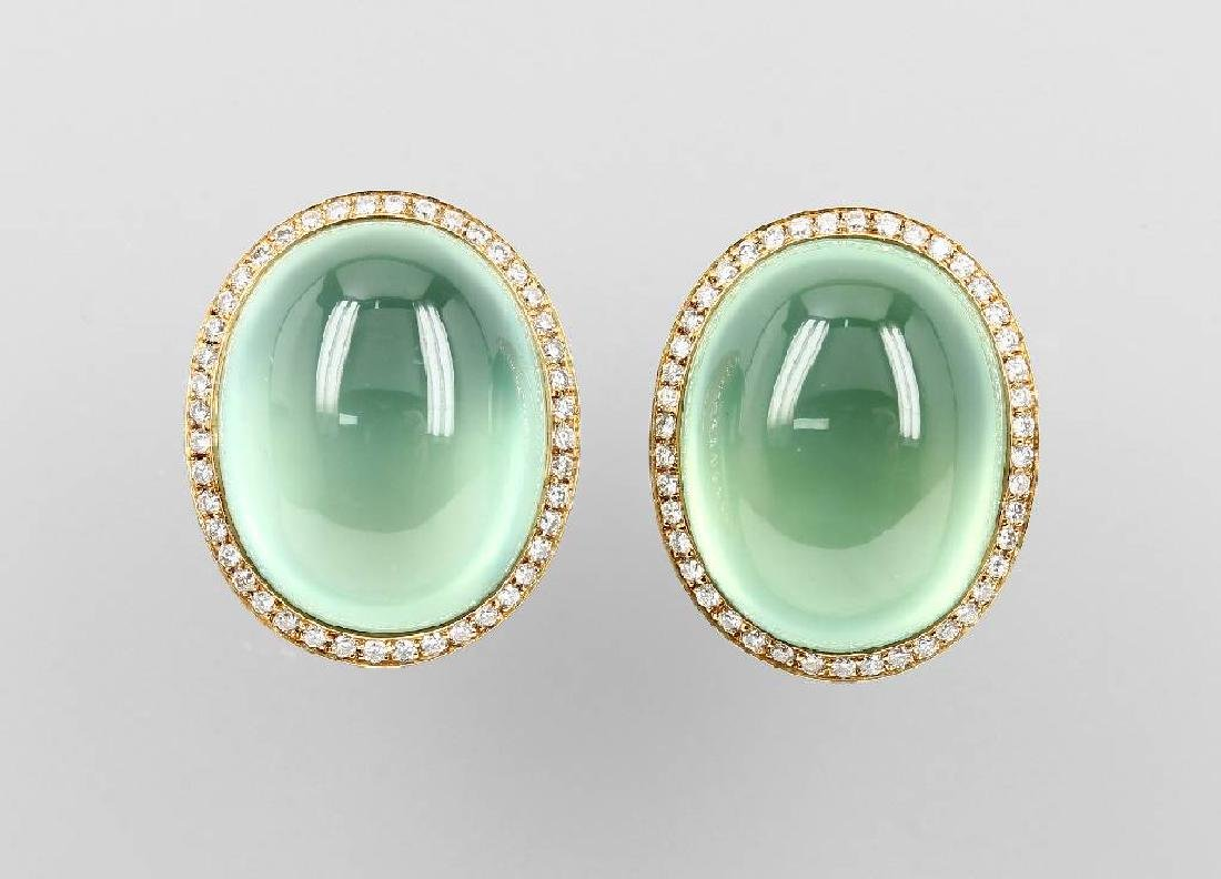 Pair of 18 kt gold earrings with prenites and