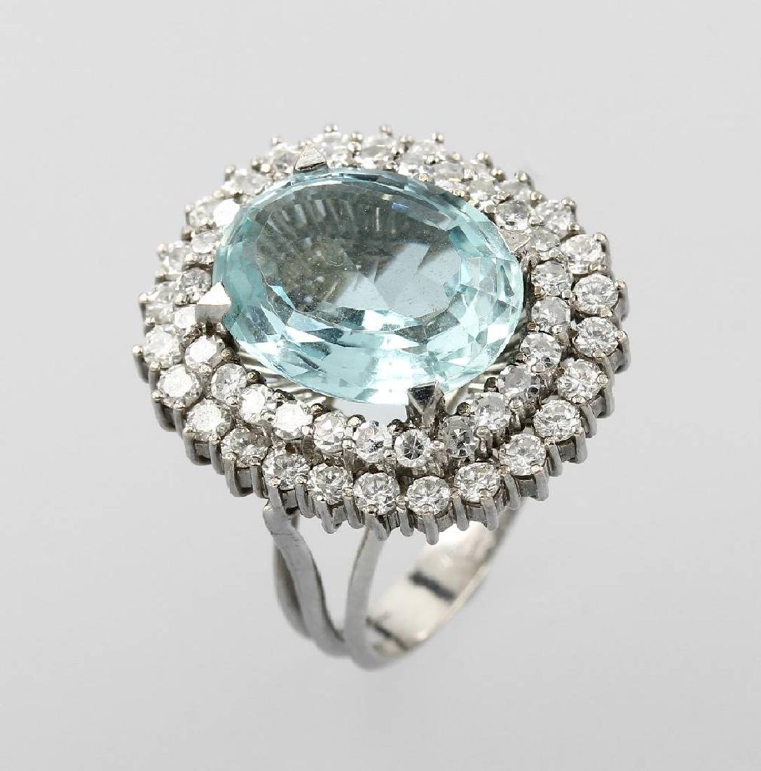 18 kt gold ring with aquamarine and diamonds