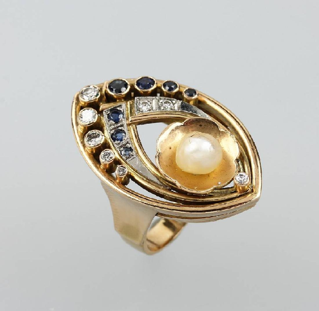 14 kt gold ring with pearl, sapphires and brilliants