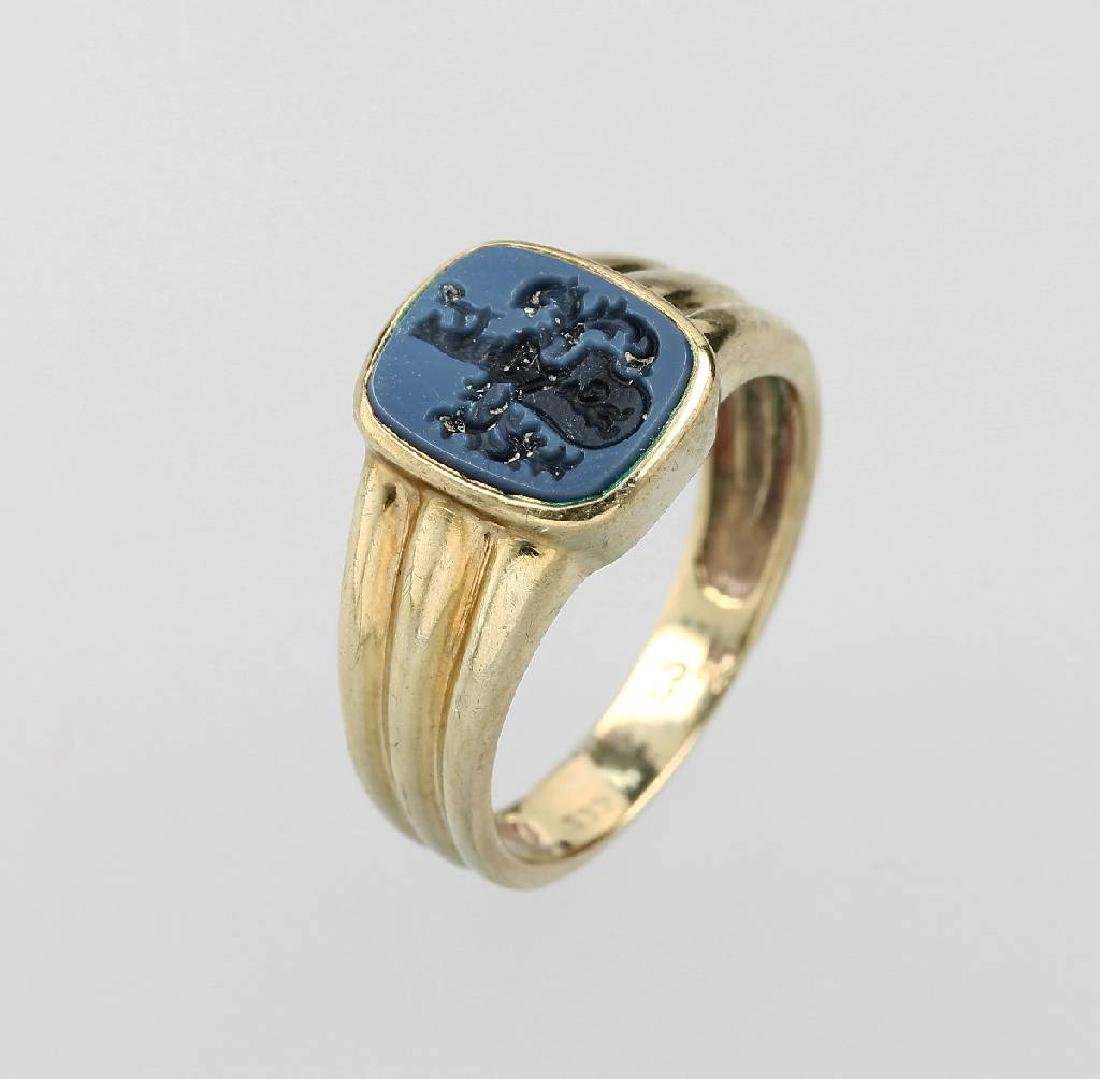 8 kt gold signet ring, approx. 1900