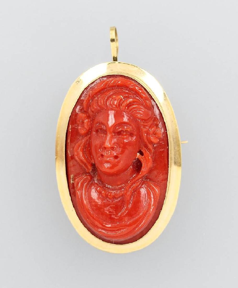 18 kt gold brooch with coral-cameo