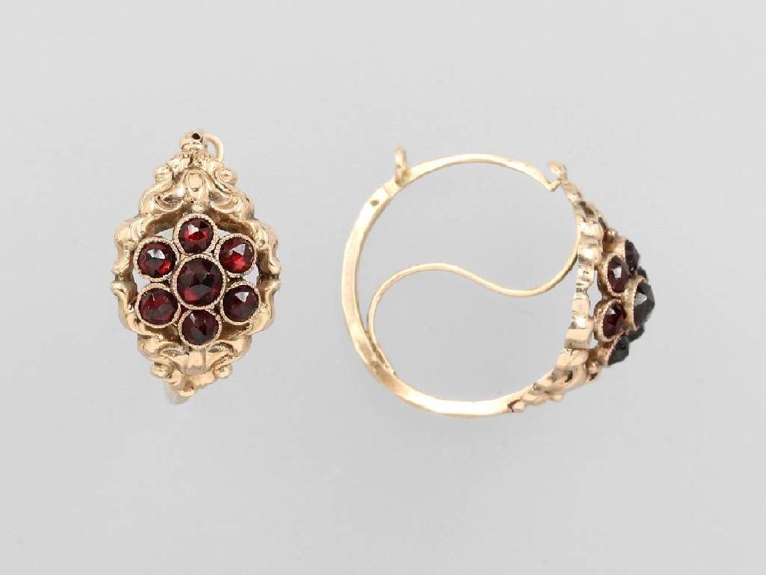 Pair of hoop earrings with garnets, german approx.