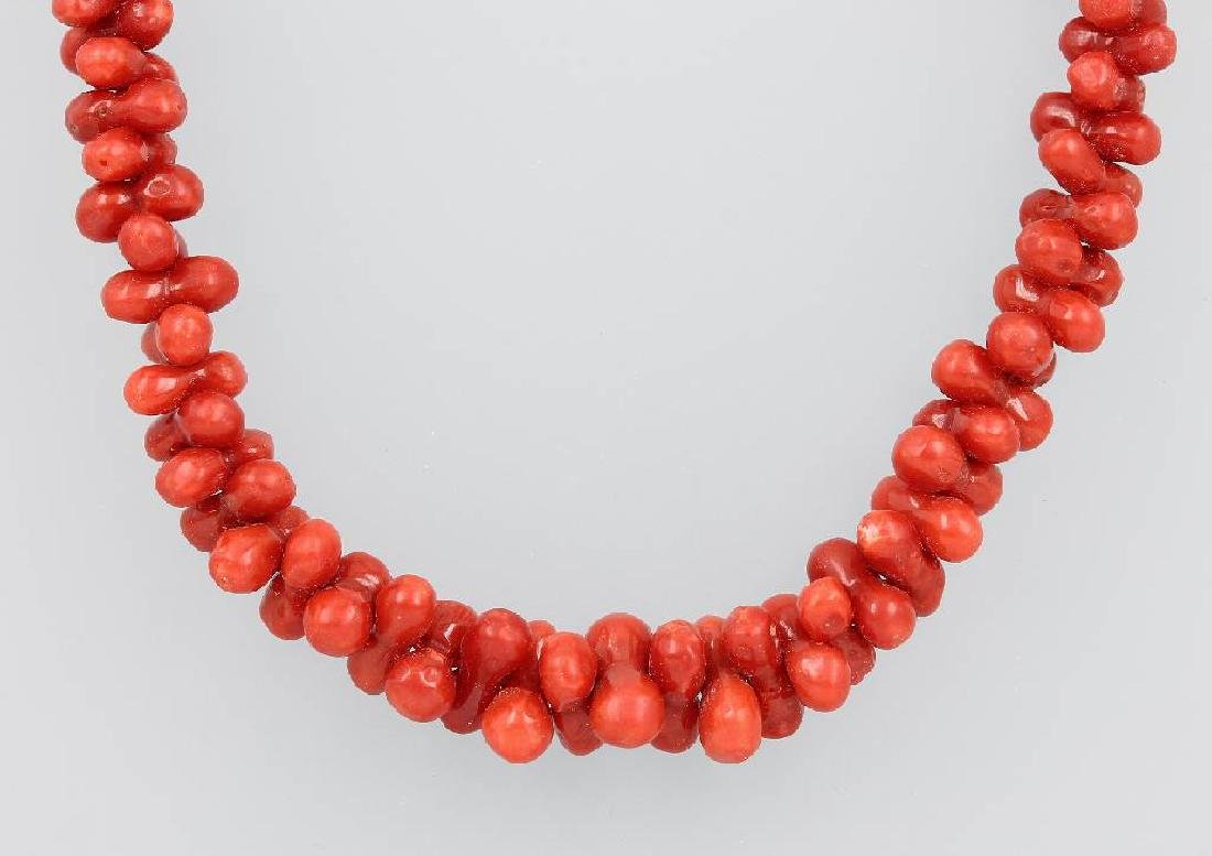Chain with corals, Italy approx. 1870/80