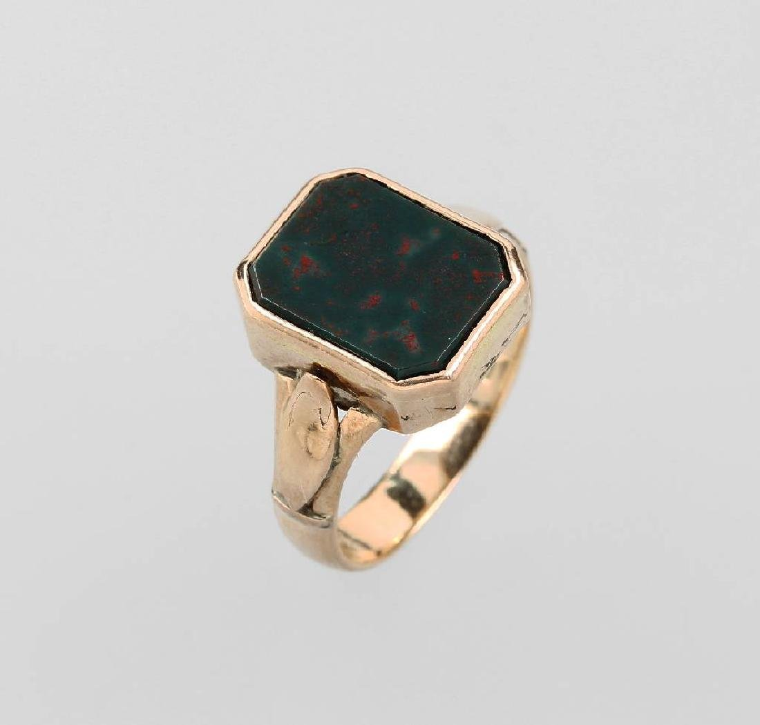 14 kt gold signet ring with heliotrope