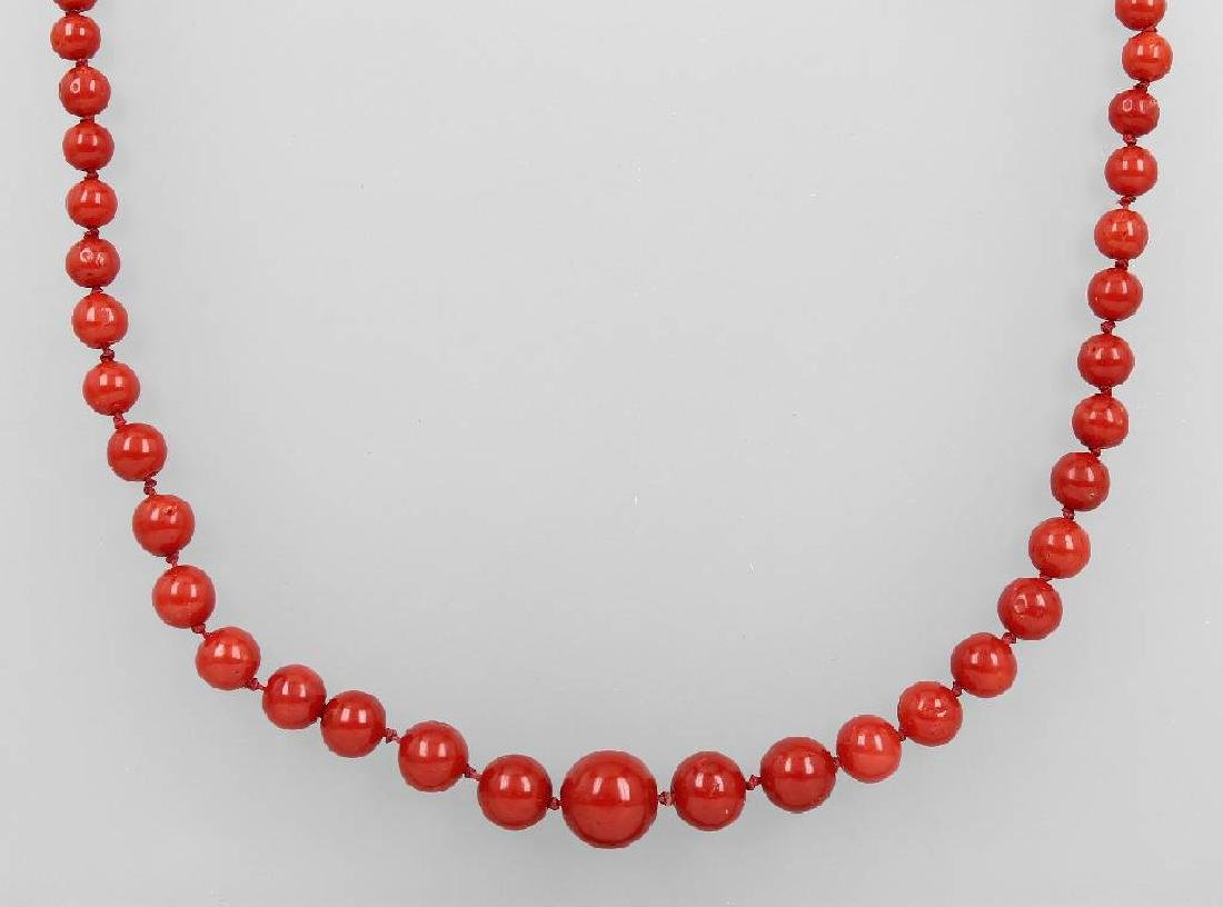 Necklace made of corals, Italy approx. 1880