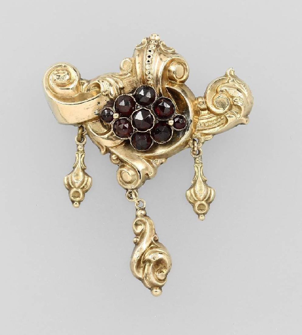Brooch with garnets, gold foil, approx. 1835