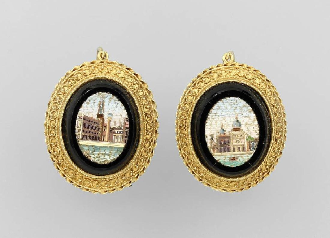 Pair of 18 kt gold earrings with micromosaic inlay
