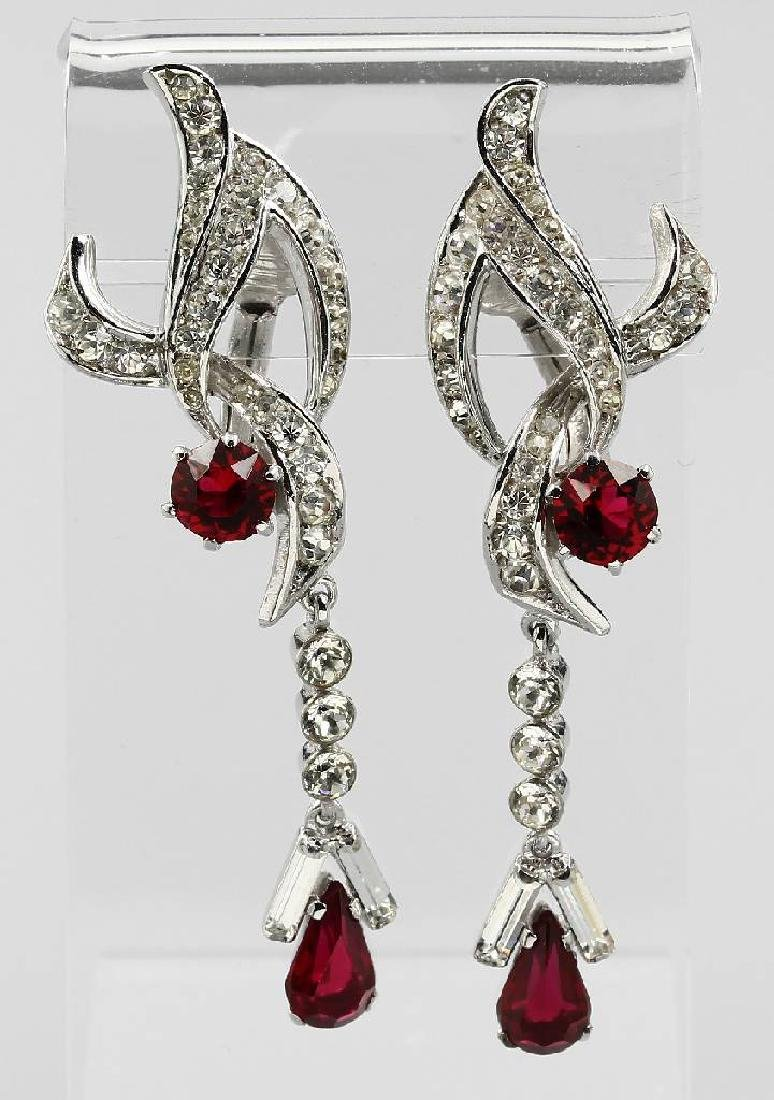 Pair of earclips with rhine stones