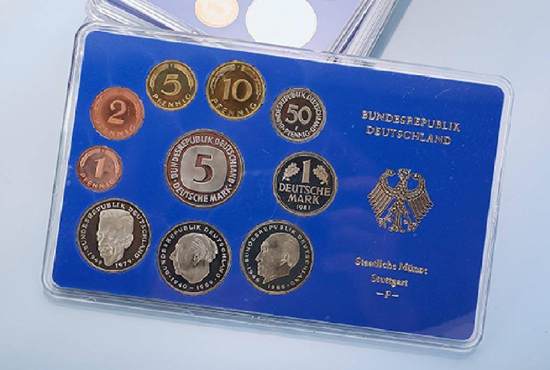 Lot 8 coin sets, Germany