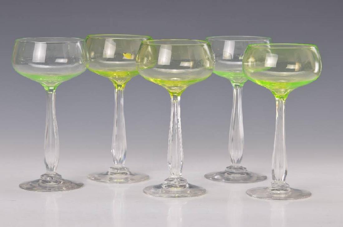 6 wine glasses