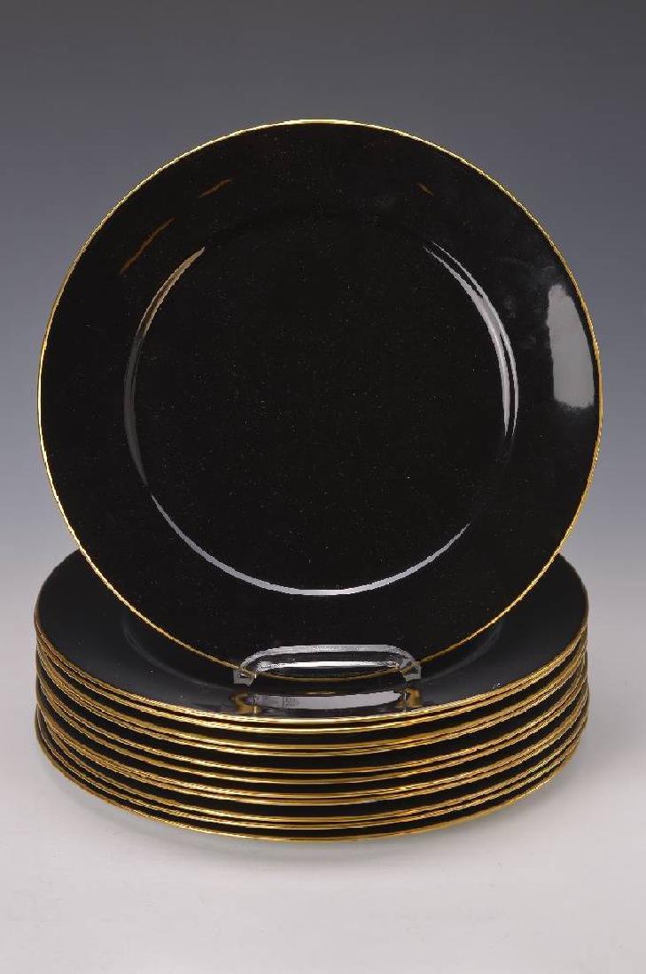 12 under plates